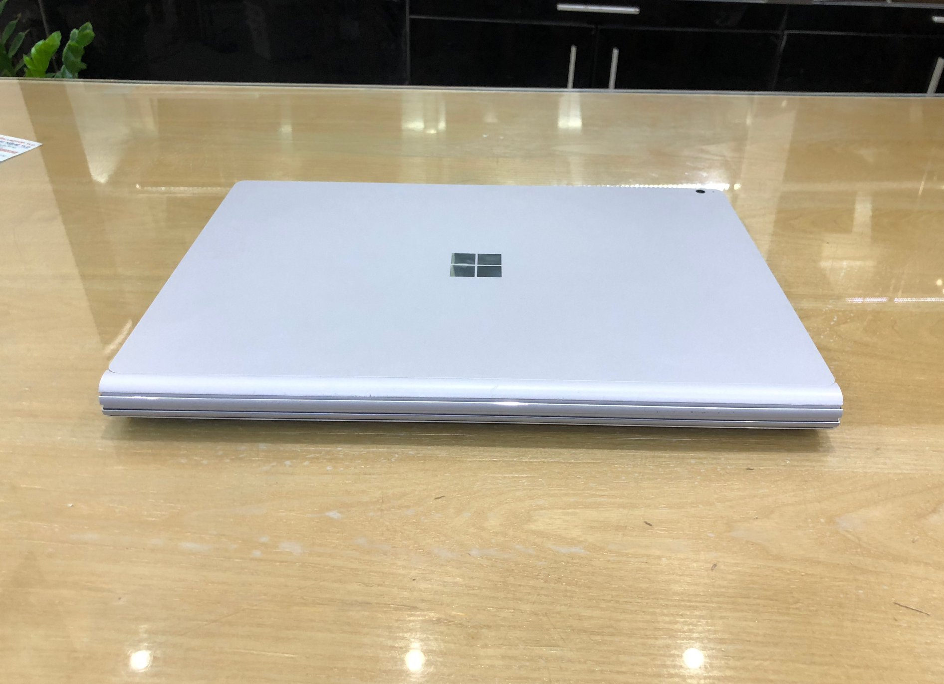 Microsoft Surface Book 2 15.jpg